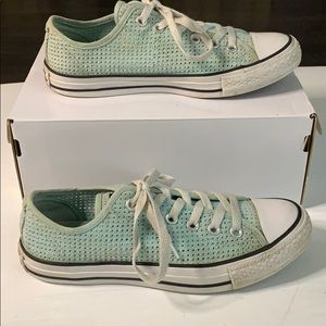 Women's Converse Shoe Pool/White All Star Sz 8.5